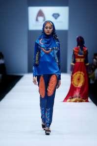 lusense-kd-and-hans-virgoro-spring-summer-2017-jakarta-womenswear-catwalks-001