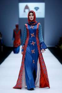 lusense-kd-and-hans-virgoro-spring-summer-2017-jakarta-womenswear-catwalks-022