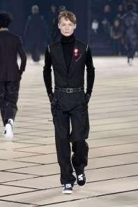 dior-homme-fall-winter-2017-paris-menswear-catwalks-006