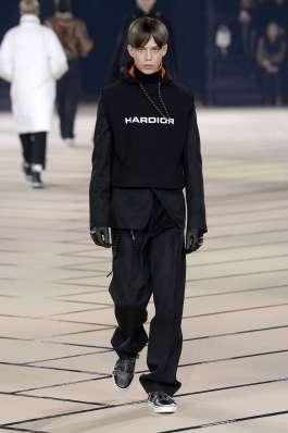 dior-homme-fall-winter-2017-paris-menswear-catwalks-014