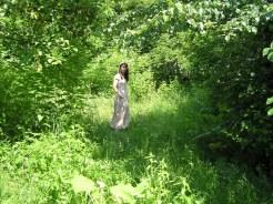 A z czasem zieleń dzikiego sadu ogarnia wszystko w koło.