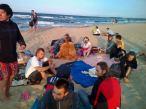 Konwentowe spotkania zakończyły się na plaży, spotkaniem z mocą fal morskich i fal rozmów i intuicyjenego śpiewu