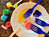 Use plastic forks instead of a paint brush to make beautiful pictures, crafts, kids crafts, painting