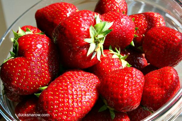fresh fruit, berries, strawberry, food preparation tips
