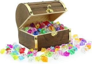Pirate treasure chest toy