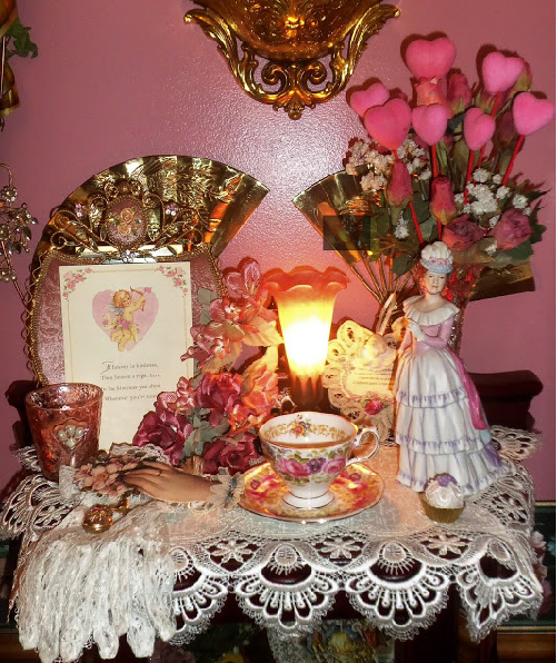 Pink decor in the dining room for Valentines Day