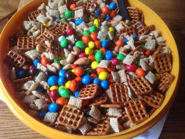 Summer snack mix by Marilyn's Treats #recipes