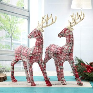 Plaid reindeer decorations #ad