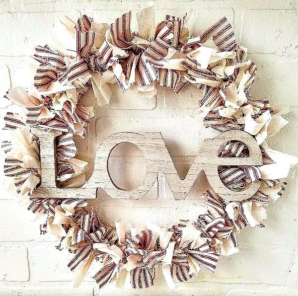 DIY shabby rag wreath