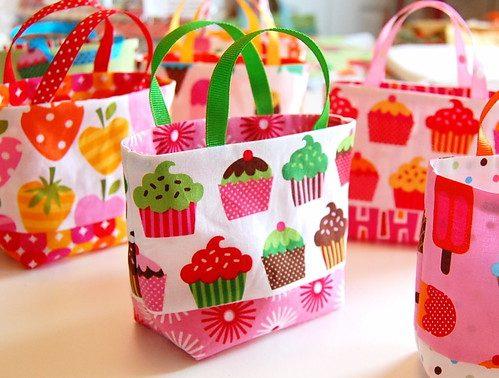 Tiny DIY tote bags