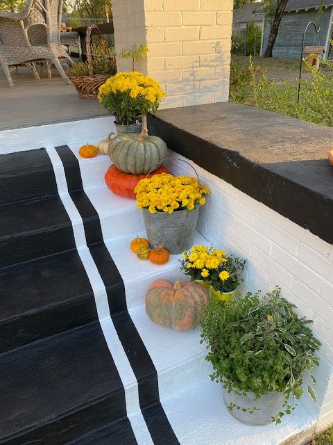 Faux rug painted on the steps #homedecor #DIY