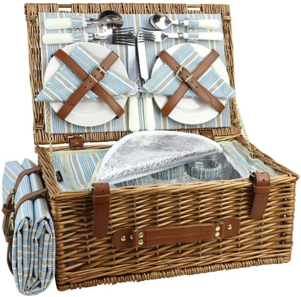 Wicker picnic basket set for 4