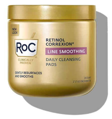 Facial cleansing pads with retinol