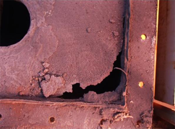 腐食したセルプレート板