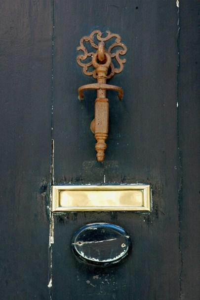 CP-DSC_9462-heurtoir & boîte porte bleu sombre
