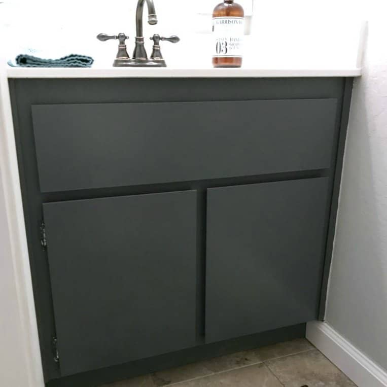 How to Paint Bathroom Cabinets the Easy Way