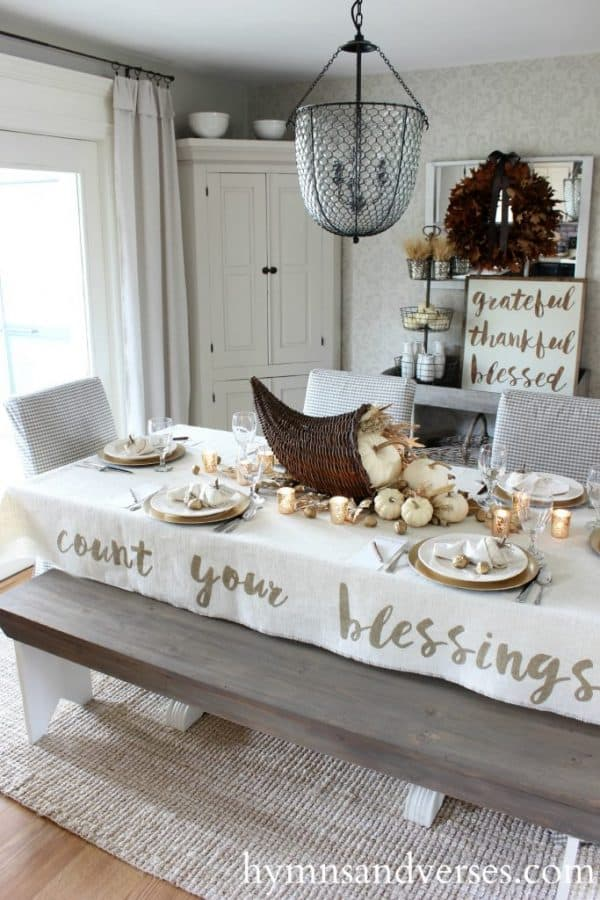 5 Easy Thanksgiving Tablecloth Ideas for You to Make