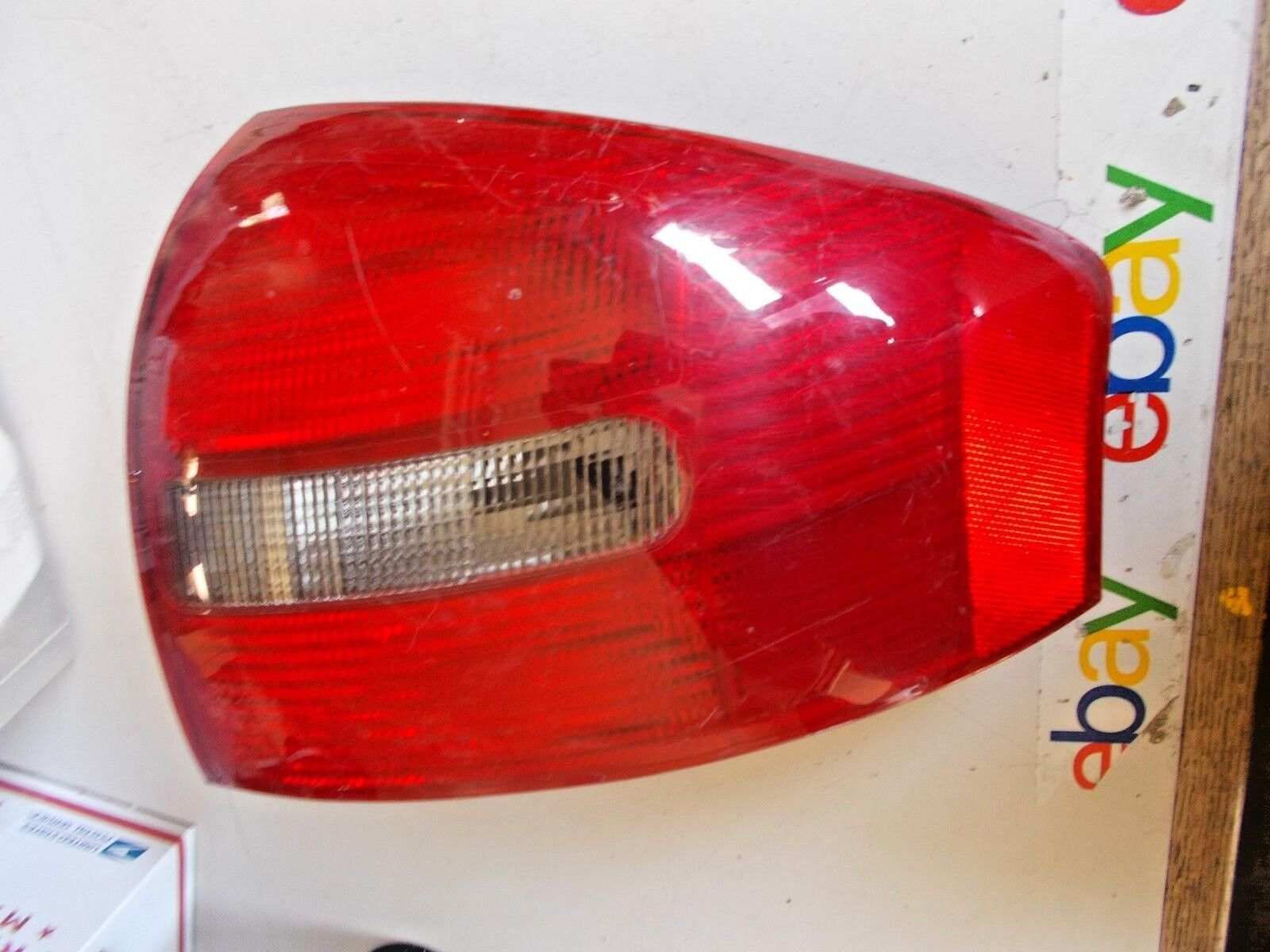 medium resolution of tail lamp lens housing fits 1998 2001 audi a6 quattro right side au2819109