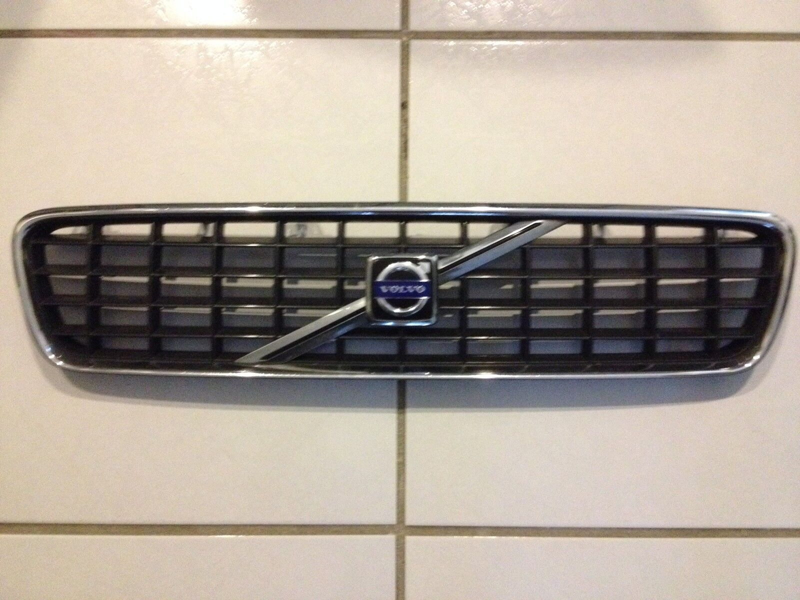 Used Volvo S40 Grilles