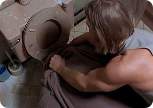 dude_in_toilet