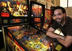 PINBALL WORLD CHAMPION KEITH ELWIN