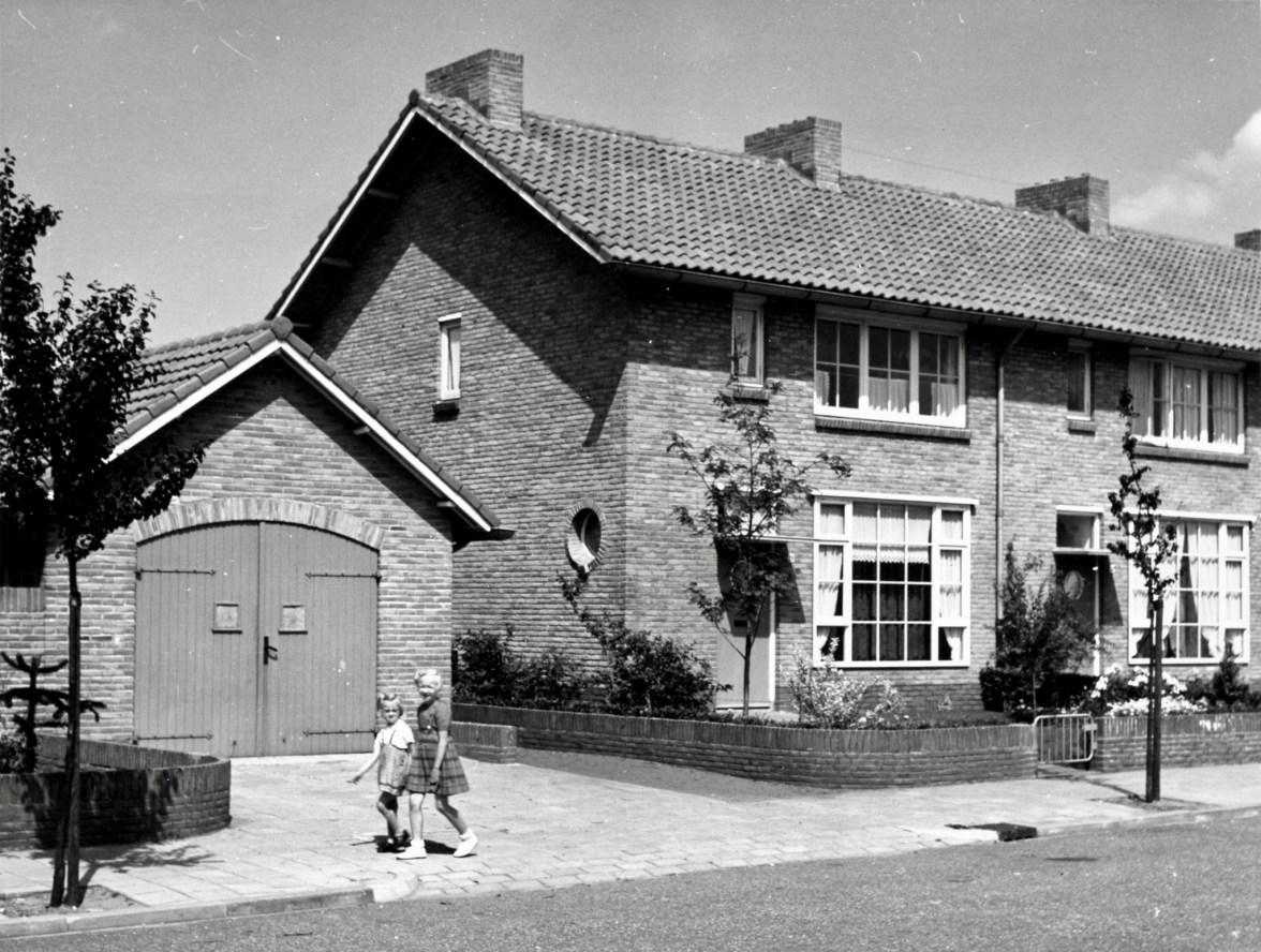 24e woningbouwcomplex, Vennecoolstraat, Hilversum. Foto archief www.gooienvechthistorisch.nl.