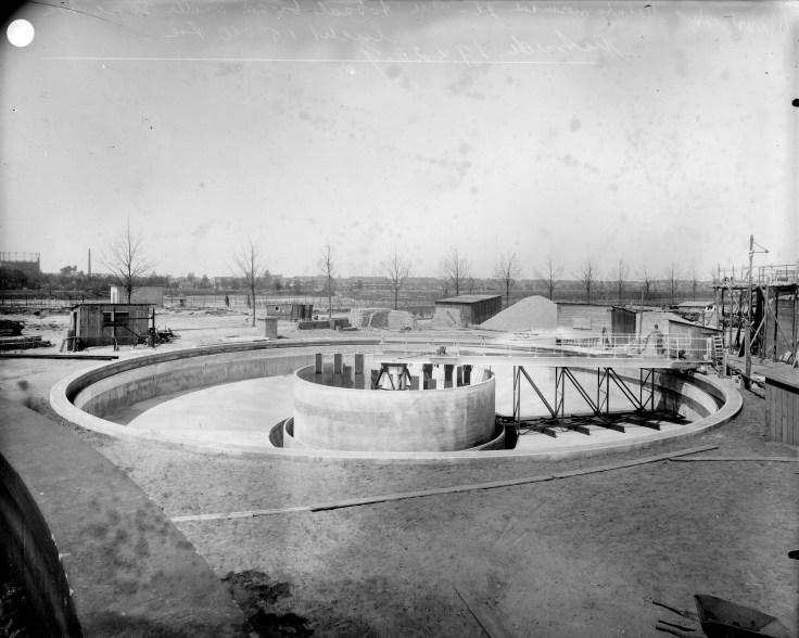 Bouw waterzuivering Oost, Mickelersstraat Hilversum. 1938, ontwerp Dudok. Foto: archief www.gooienvechthistorisch.nl