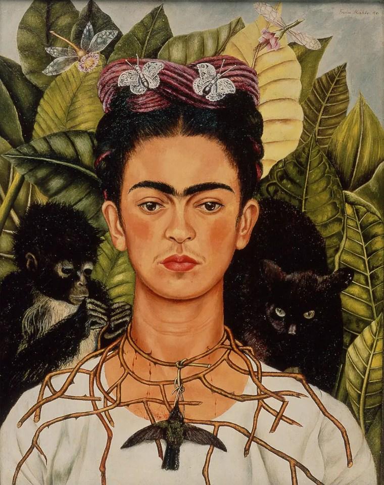 Frida Kalho, Autoritratto con collana di spine e colibrì, 1940., Nickolas Muray Collection all'Harry Ransom Center, The University of Texas, Austin