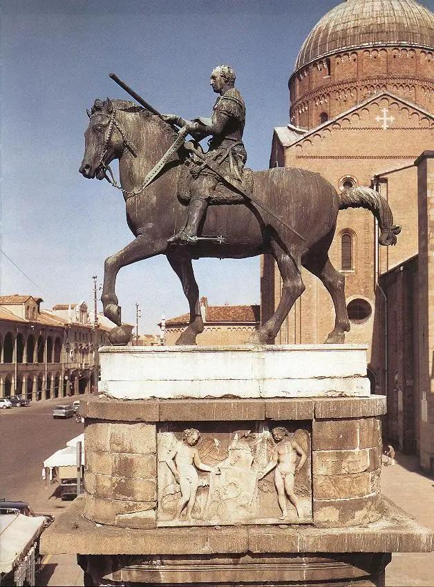Donatello_monumento-equestre_Gattamelata_vita_opere_riassunto_due-minuti-di-arte