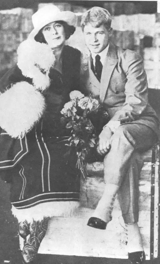 Isadora Duncan e lo scrittore Sergej Esenin nel 1922