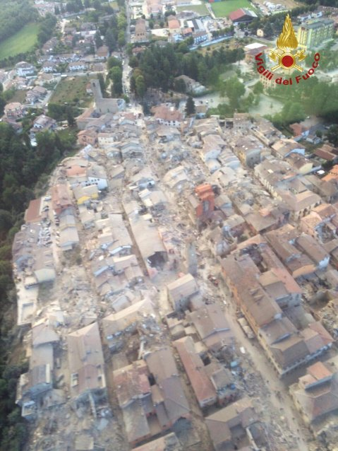 2016-08-24T060252Z_5371081_S1BETXFQGYAA_RTRMADP_3_ITALY-QUAKE