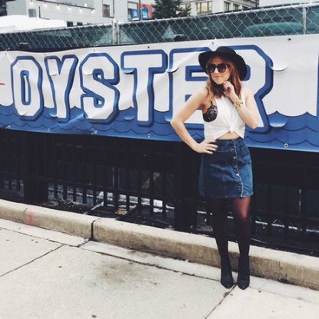 Alex Duffy of Duffy Dossier — What I Wore to Oyster Fest Chi, top social media influencers, instagram influencers