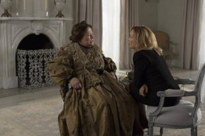 american-horror-story-fiona-goode-and-lalaurie-1