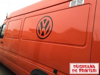 dugheana-de-printuri-cutterare-autocolant-negru-cutter-plotter-romania-focsani-buzau-publicitate-volkswagen-logo