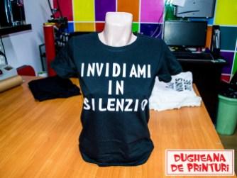dugheana-de-printuri-invidiami-tricou-personalizat-in-silenzio-agentie-de-publicitate-livrare-gratuita-publicitate-grafica-print-cutterare-ddp-grafica-print-digital