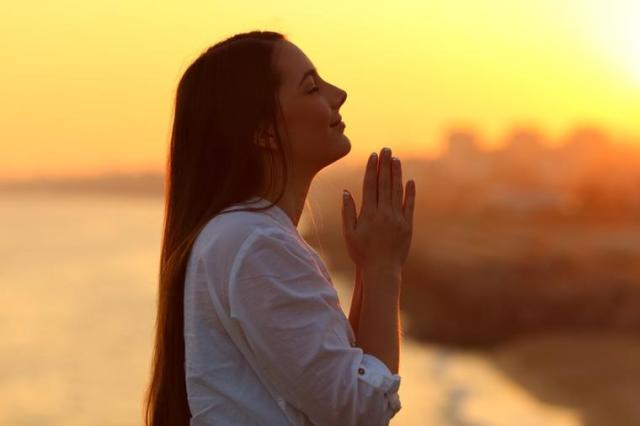 Otvarajući svoje srce Bogu da ga ispunja ljubavlju dopuštamo mu da ...