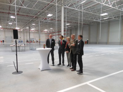 Oberbürgermeister Sören Link, Jordan Corynen (Goodman), Astrid Lühring (Volkswagen), Erich Staake (Duisburger Hafen) und Michael Neumann (Syncreon)