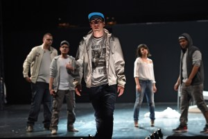 "Projektgruppe ""Oper meets HipHop"" / aktuelles forum nrw, Sirin Kiliç (Sibel). Foto: Hans Jörg Michel."