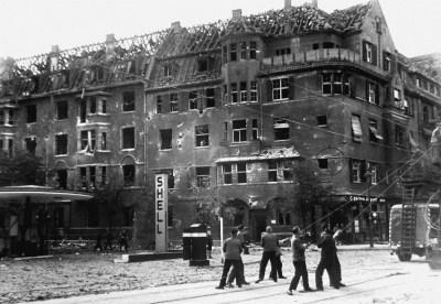Mülheimer Straße / Ecke Bechemstraße in Duissern nach dem Luftangriff vom 6./7. September 1942.
