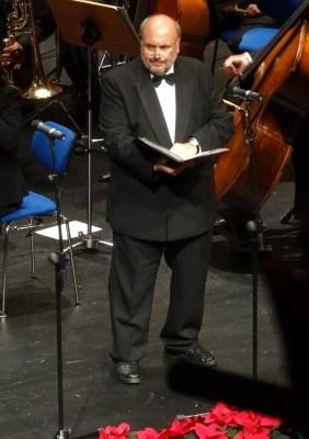 "Sein ""Jerusalem"" berührt die Zuschauer beim Weihnachtskonzert 2014; Bass Klaus Hermann. Foto: Petra Grünendahl."