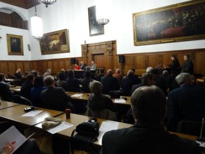 Interkulturelles Gespräch mit Vereinen und Organisationen im Ratssaal. Foto: Petra Grünendahl.