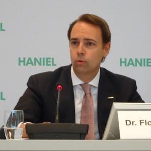 Finanzvorstand Dr. Florian Funck stellte bei der Bilanzpressekonferenz der Franz Haniel & Cie. GmbH die Ergebnisse der Beteiligungen vor. Foto: Petra Grünendahl.