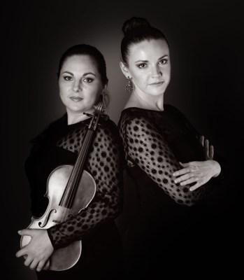 Das Duo MOS (v.l.): Natalia Demina an der Violine und Olga Andryushchenko am Klavier. Foto: Duo MOS.