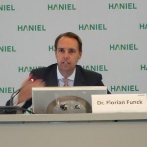 Bilanzpressekonferenz 2016 bei Haniel: Dr. Florian Funck (Finanzvorstand). Foto: Petra Grünendahl.
