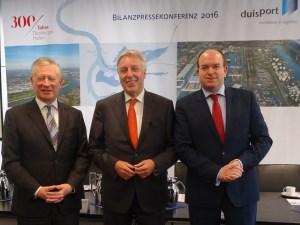 Der Vorstand der Duisburger Hafen AG (v. l.): Prof. Thomas Schlipköther, Erich Staake (Vorsitzender), Markus Bangen. Foto: Petra Grünendahl.