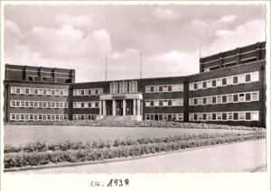 Stadtbad Hamborn 1938: Duisburger Denkmalthemen Heft 11. Quelle: Stadtarchiv Duisburg.
