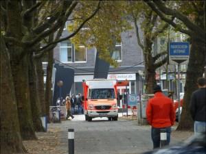 Am Einsatzort Kuhlenwall/Königstraße: Das neue Fahrzeug der Mobilen medinzinischen AMbulanz des Vereins Gemeinsam gegen Kälte Duisburg e. V. Foto: Petra Grünendahl.