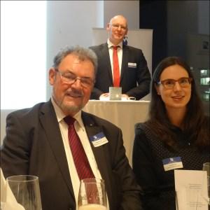 Neujahrsempfang des Marketing-Clubs zum Thema China (v. l.): Ex-MdB Johannes Pflug, Club-Präsident Marco Pfotenhauer und Susanne Löhr vom Konfuzius-Institut. Foto: Petra Grünendahl.