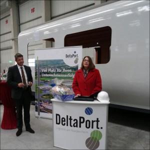 Neue Kaimauer: DeltaPort feiert ersten Rammschlag im Rhein-Lippe-Hafen Wesel