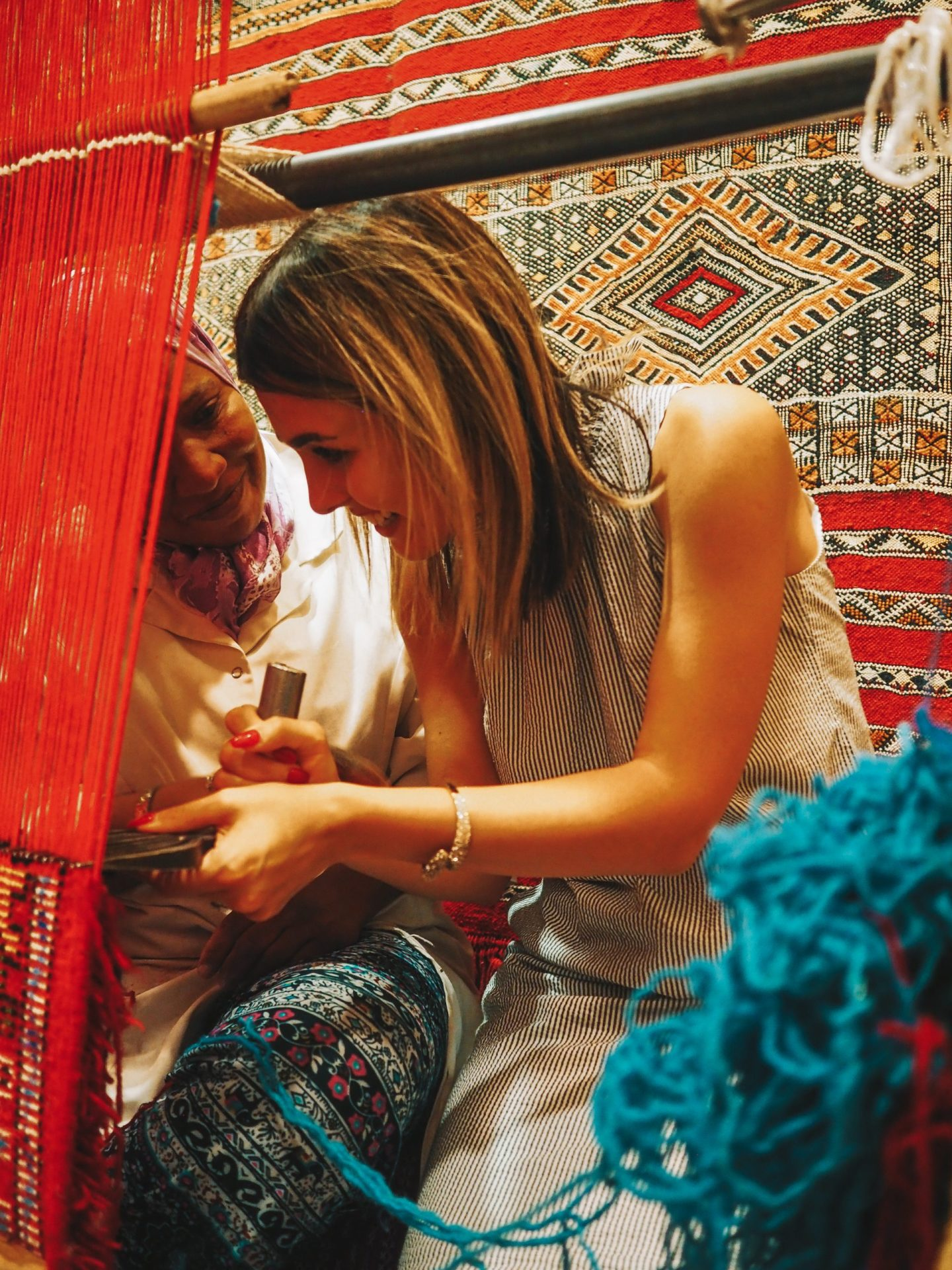 Making a Moroccan carpet with local women
